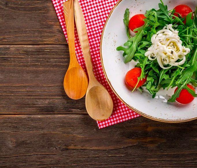 8 consejos para reducir el estrés por la comida y hacerlo de forma consciente